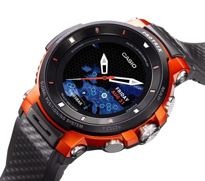 Лучшие умные часы для рыбалки и охоты за 2019 год. Где можно купить защищённые смарт часы для охотников и рыбаков.