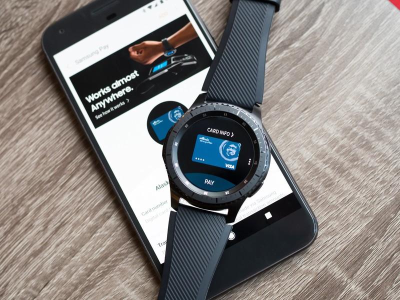 Samsung Pay на смарт часах и фитнес браслетах. Как настроить бесконтактную оплату через Samsung Pay.